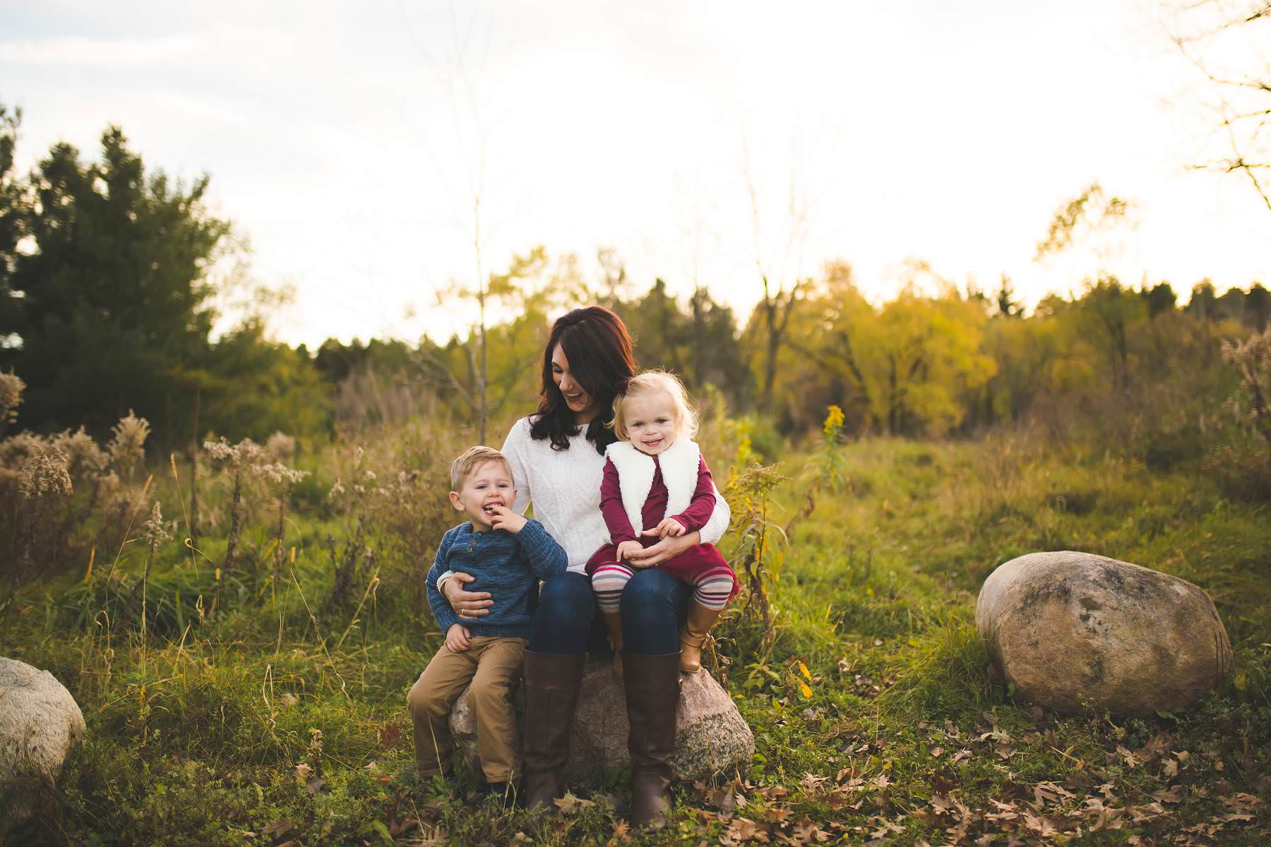 young family lifestyle portrait session fall in minnesota katie jeanne