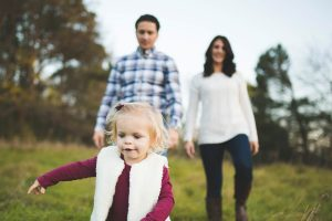 family-playing-at-lake-elmo-park-minnesota-katie-jeanne-photography_0469