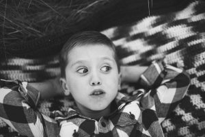 child-and-his-dog-playing-at-tree-farm-katie-jeanne-photography_0483